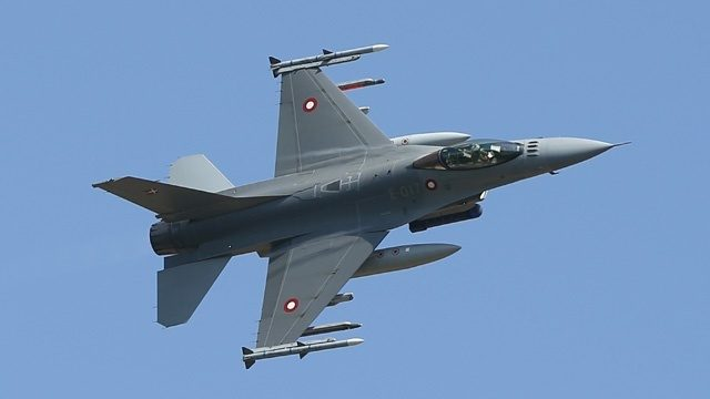 Air Force: Pilot safe after F-16 crashes in Maryland
