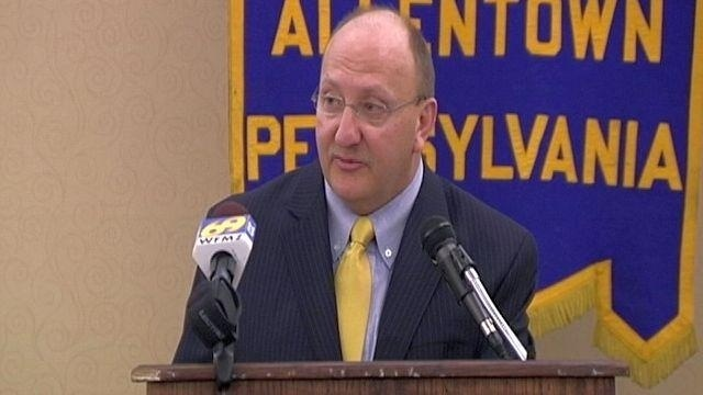 Mayor calls on critics to put aside 'petty differences'