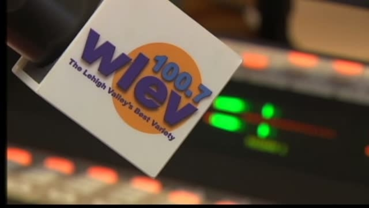 Area radio stations start 24/7 Christmas music - WFMZ