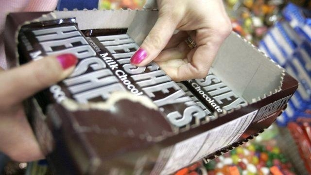 Higher prices boost Hershey 1Q results