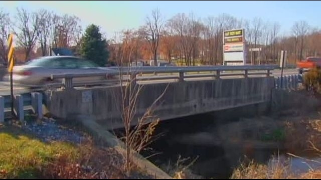 Weight limits coming to about 1,000 Pennsylvania bridges, senators told