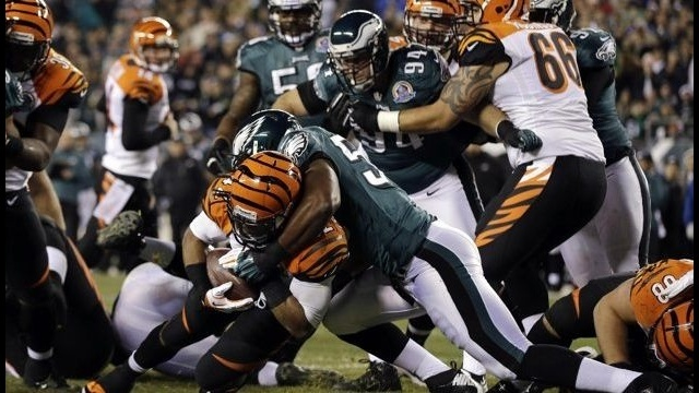 Bengals force 5 turnovers, roll past sloppy Eagles 34-13