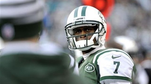 Jets bench brutal Smith in 23-3 loss to Dolphins