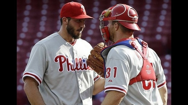 Weak-hitting Phillies fall to Reds 1-0, 11-2