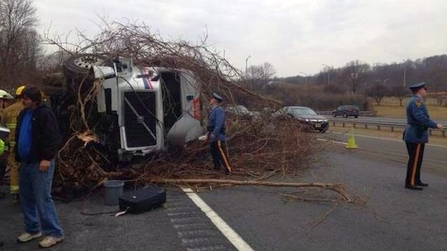 Overturned tractor trailer makes mess of I-78 East in New Jersey