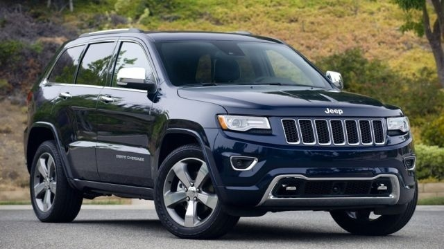 Chrysler recalls 870K SUVs for brake defect