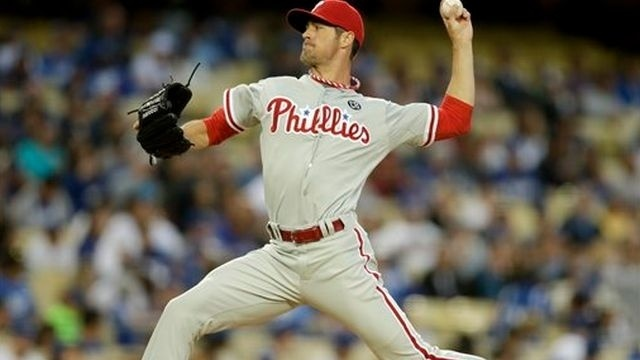 Phillies lose 5-2 to Dodgers in Hamel's debut