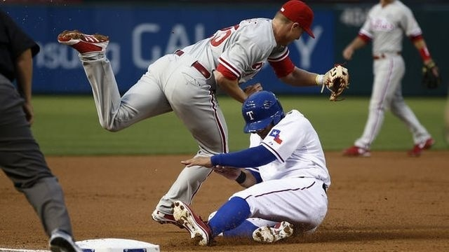 Papelbon blows save as Rangers walk past Phillies