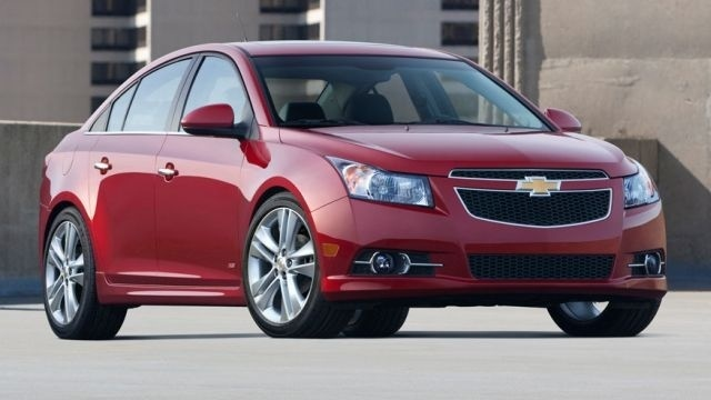 GM preparing to recall 33,000 Chevy Cruze compacts