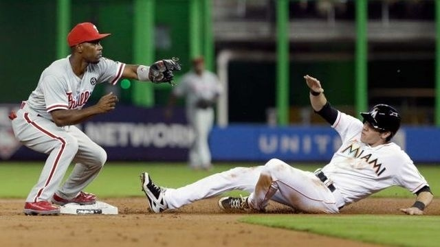 Phillies lose to Marlins 5-4 in 11 innings