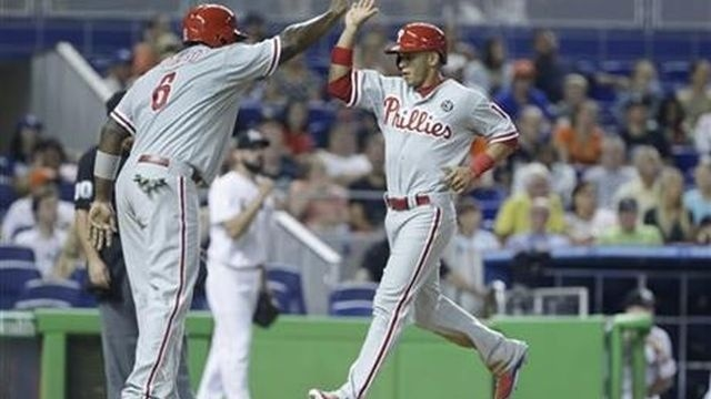 Phillies rally to beat Marlins, 5-4