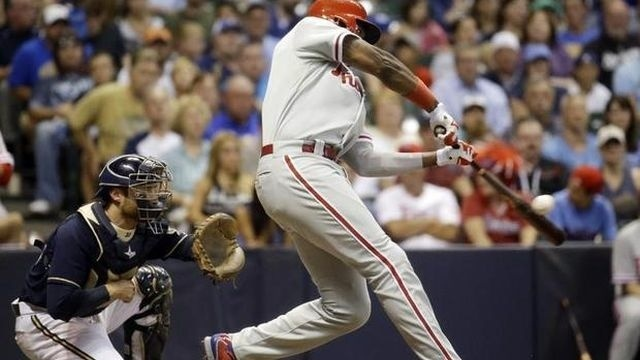 Brown helps Phils rally for 9-7 win over Brewers