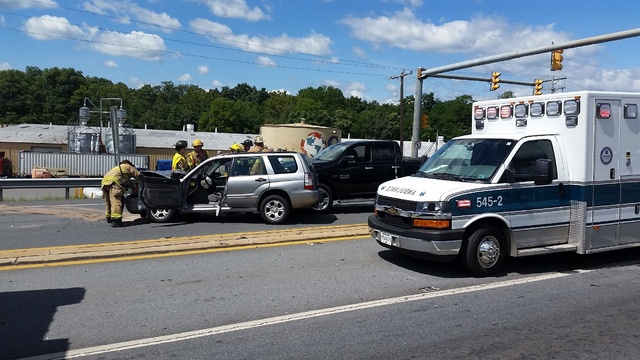 Accident closes stretch of Route 61 in Hamburg