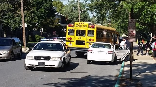 Reading students uninjured in minor bus accident on 1st day of school