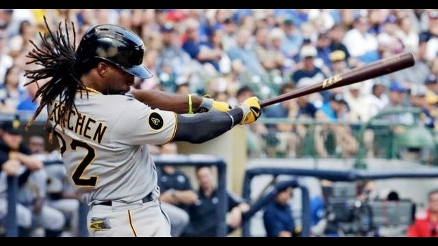 Rally falls short, Pirates fall 4-3 to Brewers