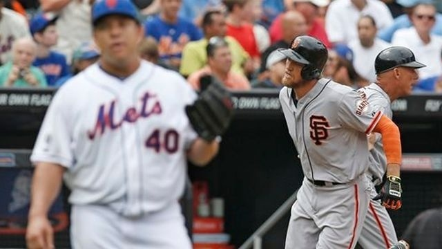 Bumgarner gem, Pence's 2 HRs take Giants past Mets