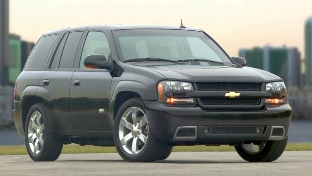 GM issues SUV recall over power window issue