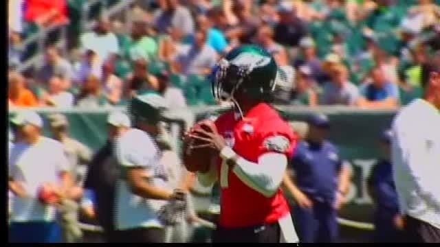 Eagles rally to beat Jaguars