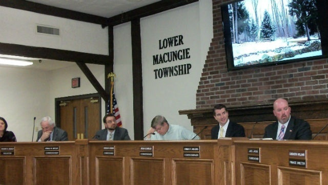 Commissioners concerned about Hamilton Crossings' impact on township park