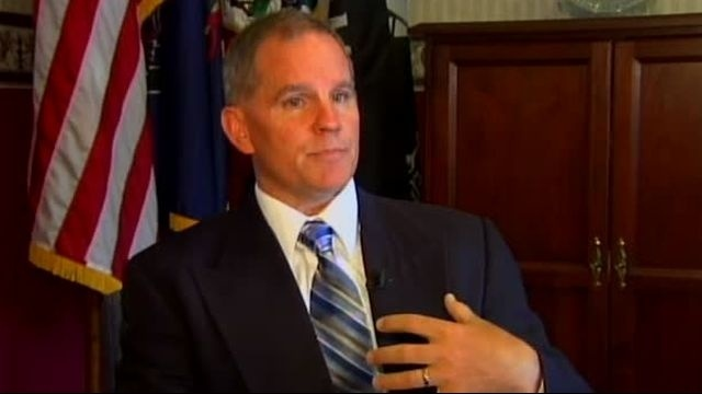 Northampton County controller drops suit against county executive