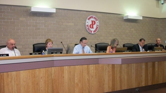 Parkland board approves 3-year contract with its support staff union