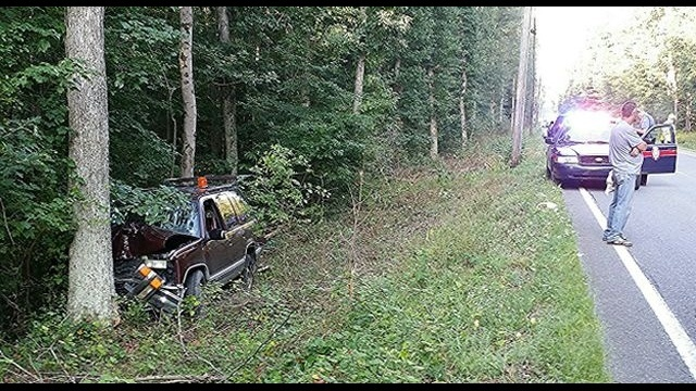 SUV slams into utility pole and tree in Carbon County