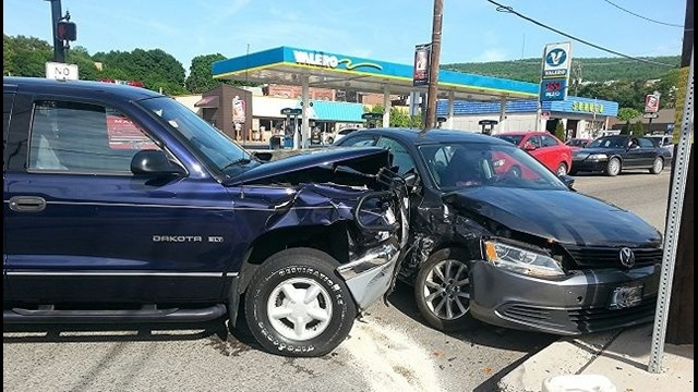 Pregnant woman injured in Schuylkill County wreck