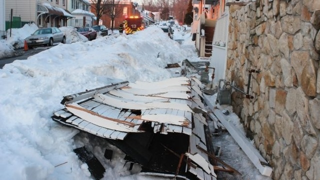 Roof collapse causes gas leak scare in Allentown