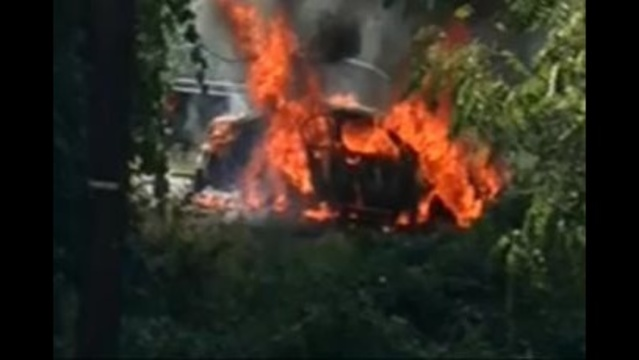 Stranger helps free 2 young children from burning car on Route 33