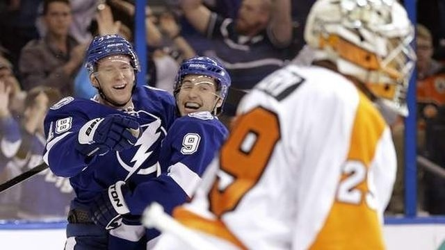 Flyers fall to Lightning, 4-2