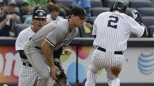 Derek Jeter leads Yankees to 9-1 rout of White Sox