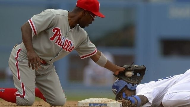 Phils lose to Dodgers 6-1 as Howard slump deepens