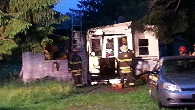 Crews rescue man from mobile home fire in Monroe County