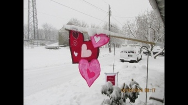 close to valentines day snow_24255620