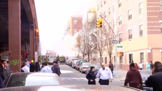 (img1)Uncut video_ Deadly gas explosion, collapse in Harlem_24939028
