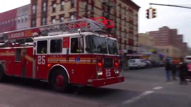 (img11)Uncut video_ Deadly gas explosion, collapse in Harlem_24939034