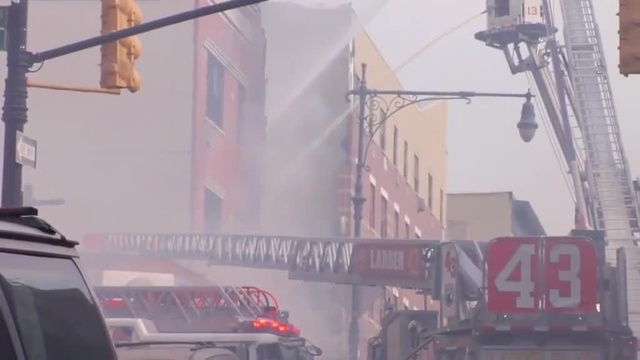 (img16)Uncut video_ Deadly gas explosion, collapse in Harlem_24939050