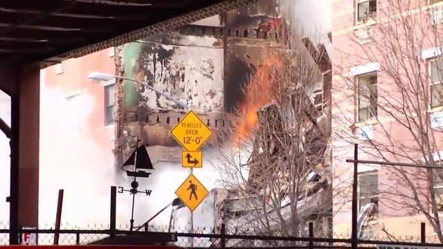 (img6)Uncut video_ Deadly gas explosion, collapse in Harlem_24939026