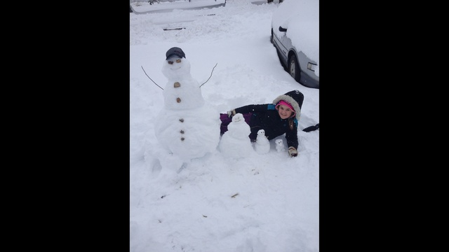 Meadow-with-her-snowman-jpg.jpg_24273958