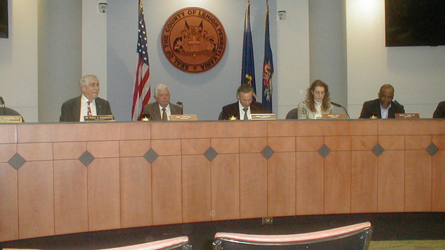 Lehigh Commissioners approve county social workers' union contract