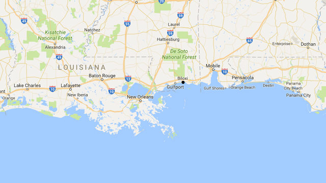 At least 3 dead as train hits bus in Biloxi, Mississippi