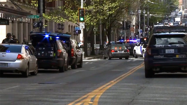 2 Seattle police officers shot; one suspect dead