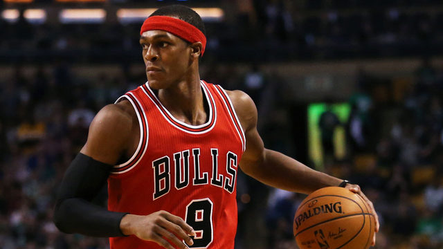 Bulls' Rondo out indefinitely with fractured thumb