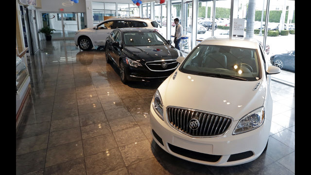 Sales of United States passenger cars decline in July