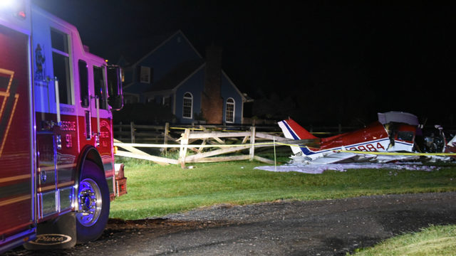 Small plane with 3 aboard crashes in Hunterdon County