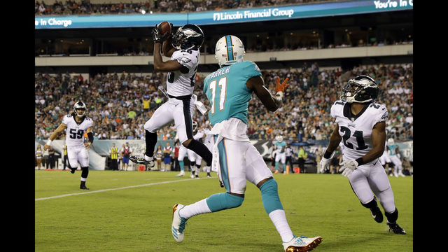 Eagles Defeat Dolphins 38-31