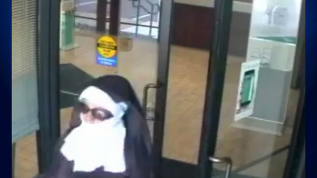 2 women dressed as nuns try to rob Poconos bank
