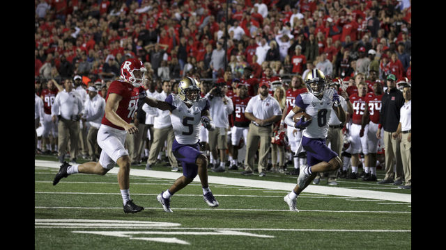 No. 8 Washington shakes off pesky Rutgers