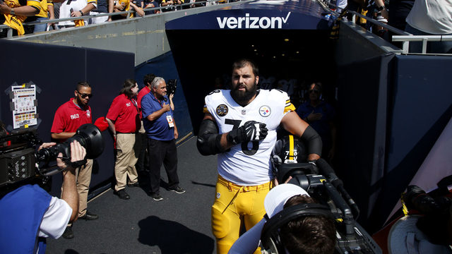 Steelers' Alejandro Villanueva says he's 'embarrassed' by anthem mix-up