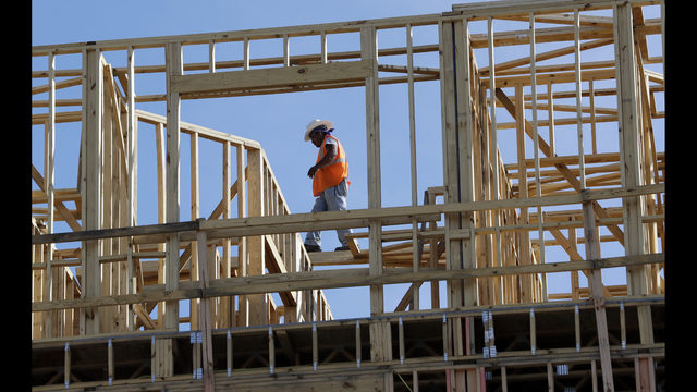 Economy Grew at 3 Percent Rate in July-September Quarter